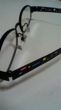 ステンドのメガネ